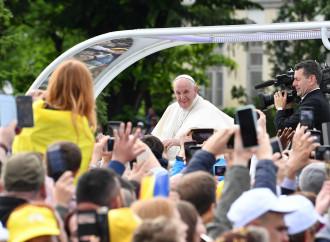 """Il Papa declina l'emigrazione come """"pellegrinare"""""""