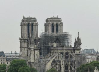 Se il mondo che disprezza il Medioevo piange per Notre Dame