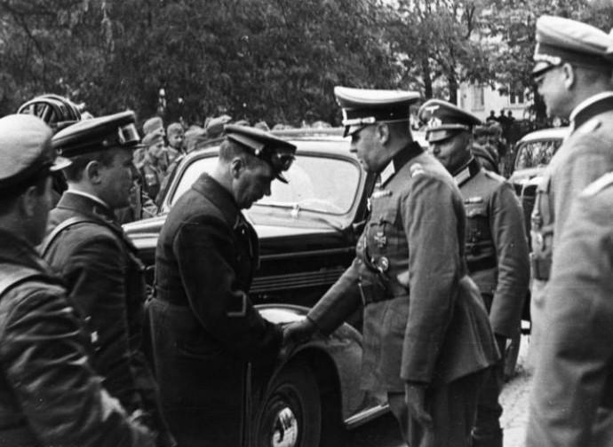 Lublino 1939: incontro fra ufficiali sovietici e nazisti