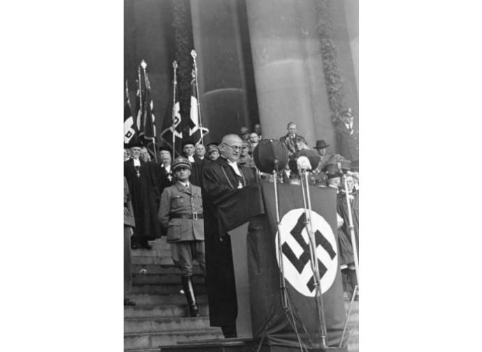 Un pastore protestante ad una manifestazione nazista