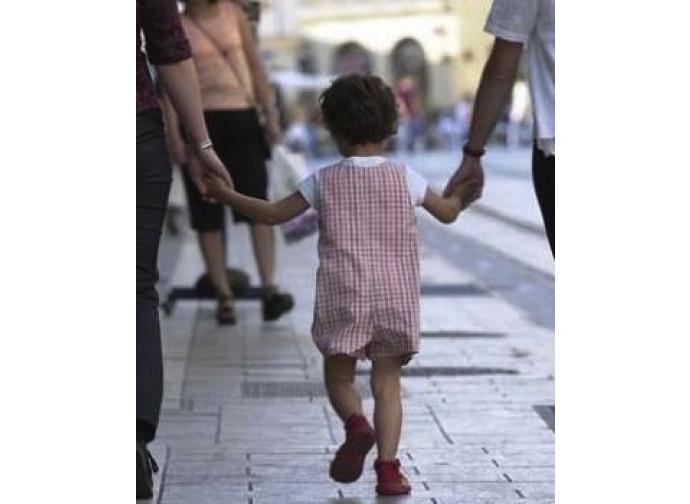 L'affido invece delle adozioni gay: solo un trucco