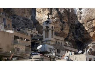 """""""Ogni battesimo è un progetto di martirio"""" Padre Haddad e la testimonianza dei cristiani siriani"""