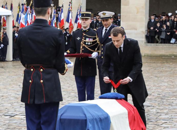 Macron decora Beltrame alla memoria con la Legion d'Onore
