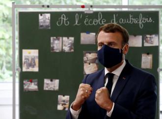 """Macron: """"Vietate le scuole parentali e l'home school"""""""