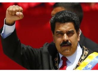 Maduro: il Papa è con me. Ma è un bluff