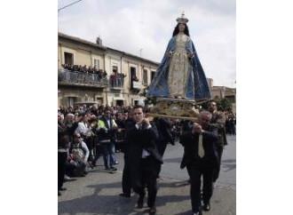 L'ultima follia: se la mafia esiste è colpa dei cattolici