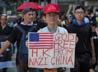 Primi colpi di pistola a Hong Kong, nel 70mo del regime