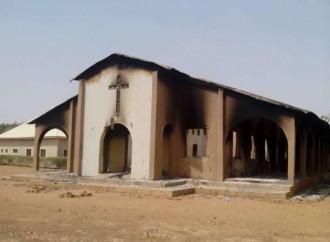Il prete che non abbandona i fedeli di Maiduguri, nel mirino del jihad