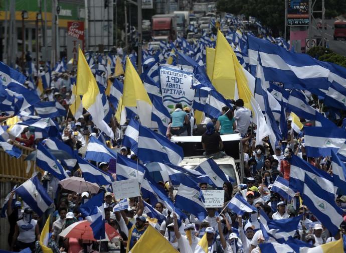 La manifestazione di Managua in difesa della Chiesa