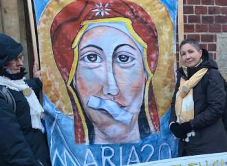 """Il Vaticano indaga sulle """"femen"""" cattoliche"""