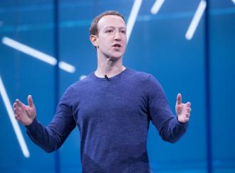 Facebook, boicottato, deve mettere il bavaglio a Trump