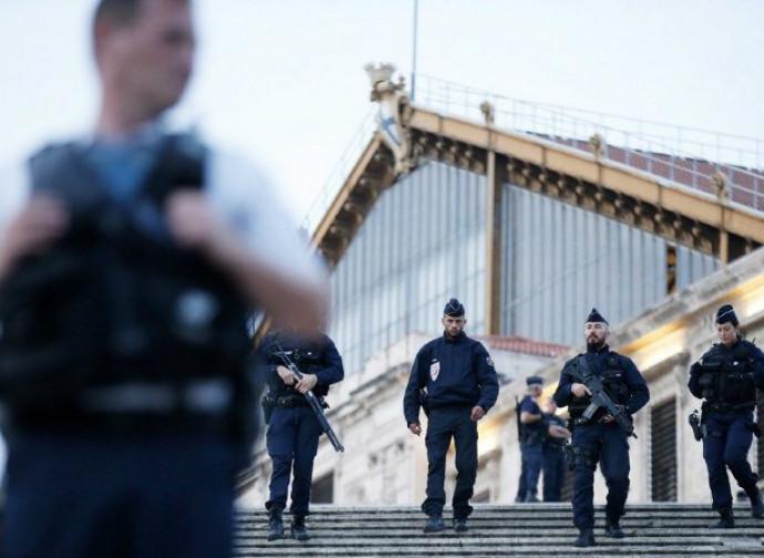 Polizia a Marsiglia dopo l'attacco