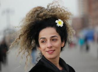 Masih Alinejad, i mercoledì bianchi contro il velo iraniano
