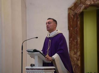"""Il don in preghiera per """"riavere"""" le Messe col popolo"""