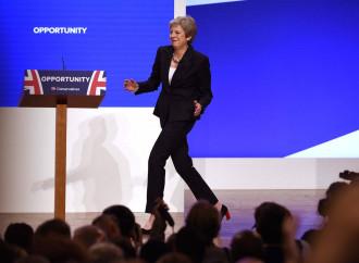Theresa May balla sulla stessa musica dei laburisti
