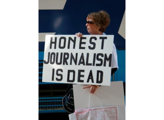 Risultati immagini per giornalismo schierato