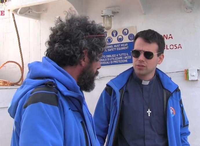 Don Mattia Ferrari a bordo della Mediterranea