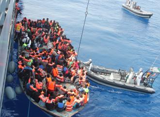 Gli sbarchi di immigrati aumentano nel Mediterraneo