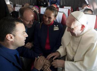 Matrimonio celebrato in volo, l'ultima del Papa
