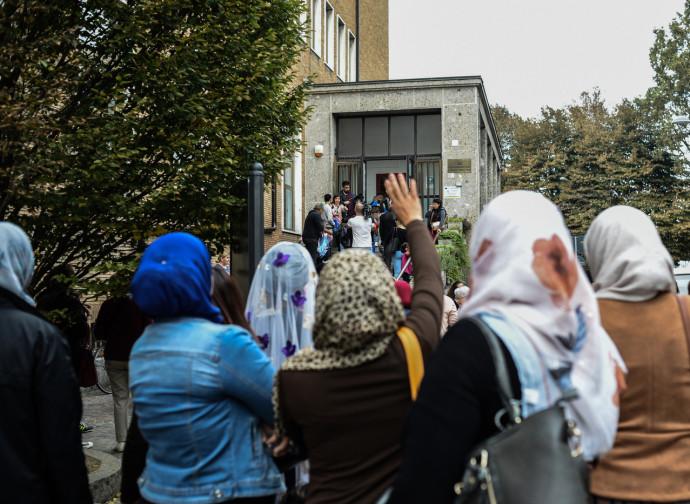 Lodi, presidio di protesta a una mensa scolastica