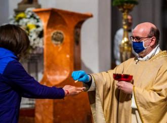"""Sacrilegi e dispersioni: rischi nella """"nuova"""" Comunione"""