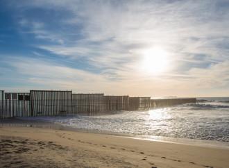 Trump: il muro s'ha da fare, con o senza il Congresso