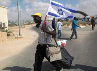 Israele rimpatria gli immigrati irregolari