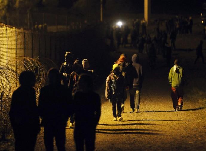 Emigranti alle soglie dell'Eurotunnel