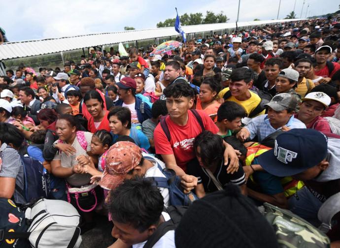 La carovana honduregna al confine col Messico