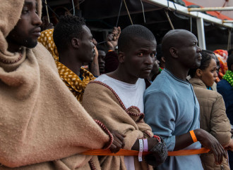 L'Unione Africana annuncia il rimpatrio di 20.000 emigranti detenuti in Libia
