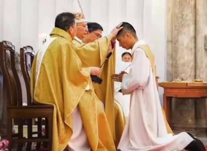 L'ordinazione dei due nuovi sacerdoti a Mindong