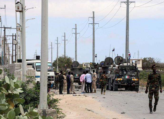 Mogadiscio, dopo l'attacco al convoglio italiano