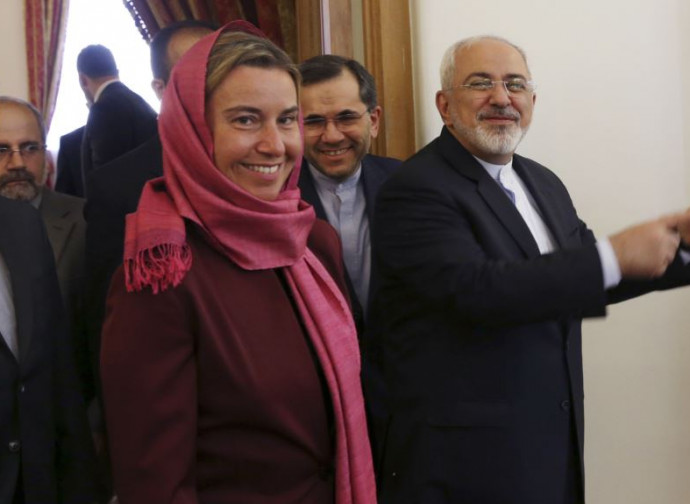 Federica Mogherini con Mohammad Zarif, ministro degli Esteri iraniano