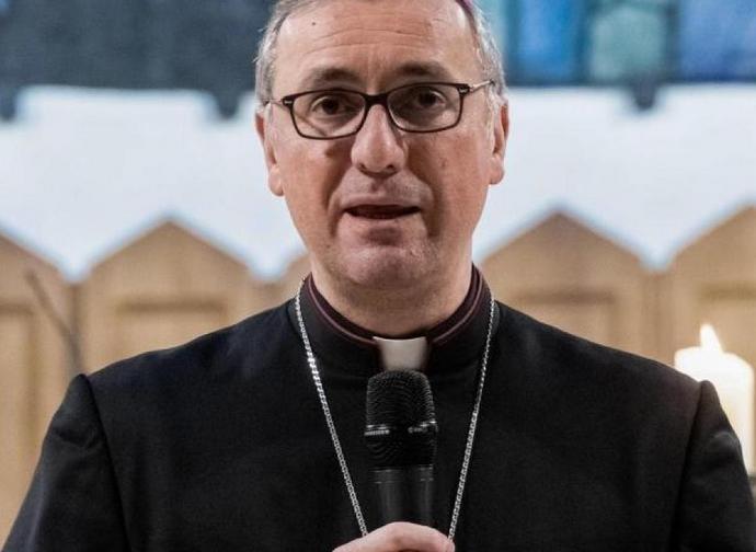 """Monsignor Hesse, vescovo """"sospeso"""" di Amburgo"""