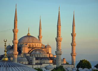 """Turchia, istruzione religiosa per crescere una """"generazione pia"""""""