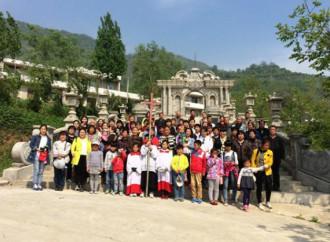 200 fedeli tentano di impedire l'abbattimento del santuario mariano di Mujiaping