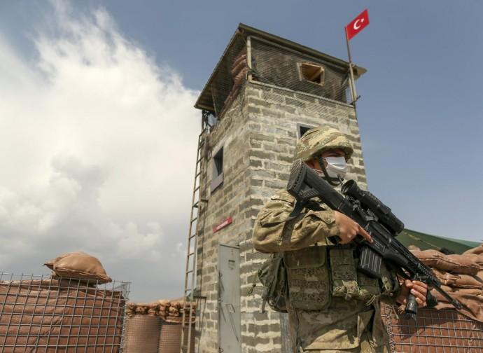 Il muro turco al confine con l'Iran