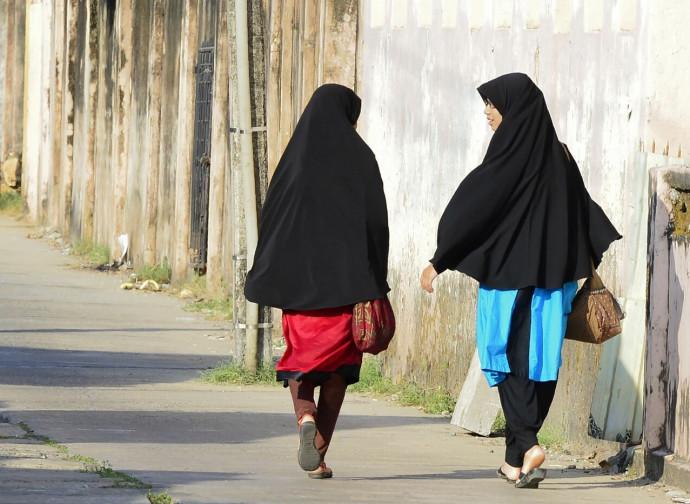 Ragazze musulmane velate, nello Sri Lanka
