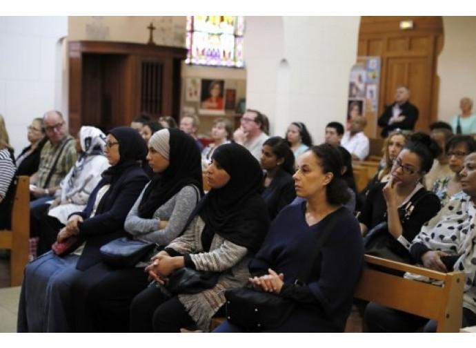 Francia, musulmani in chiesa