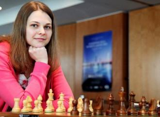 La campionessa di scacchi che sfida il regime saudita