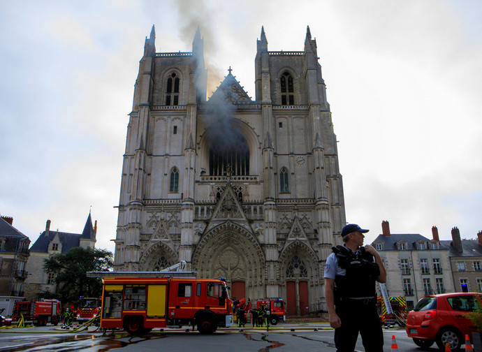 La cattedrale di Nantes dopo l'incendio