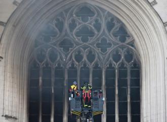 Incendio delle chiese, è una civiltà che muore