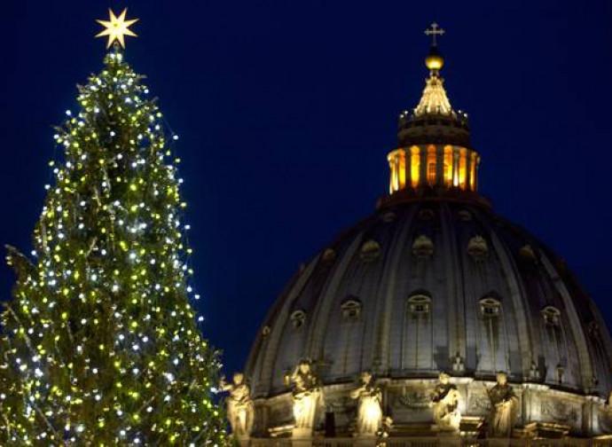 Il Natale Cattolico.L Albero Di Natale E Cattolico Non Puo Annacquare La Fede