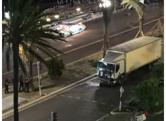 L'Isis colpisce ancora la Francia, massacro a Nizza