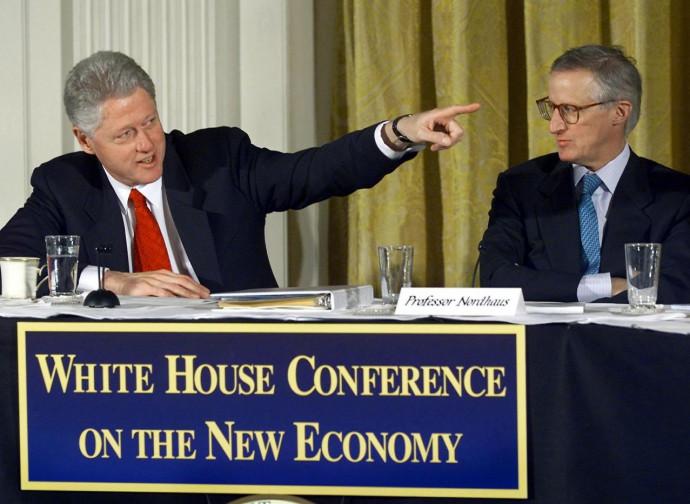 Il Nobel William Nordhaus assieme all'ex presidente Bill Clinton