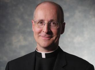 """Padre Martin: """"Cattolici non diffidate dei Gay pride"""""""