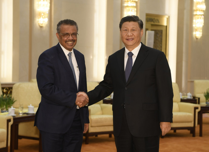 Ghebreyesus (direttore Oms) con Xi Jinping