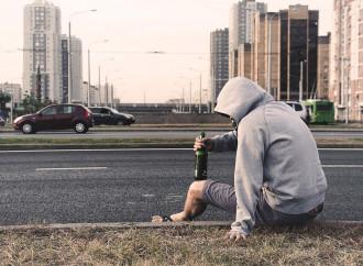 Dipendenze, omertà di Stato sul lato oscuro della vita