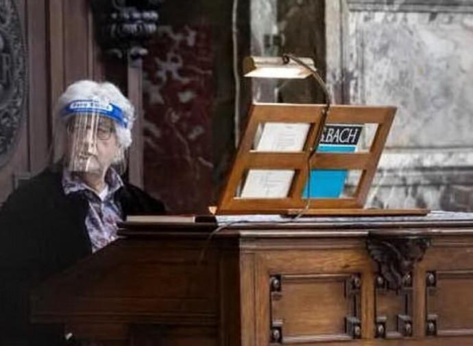 Misure anticovid in chiesa