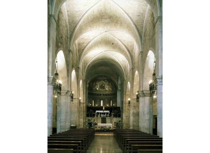 L'interno del Duomo di Osimo
